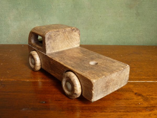 https://anythinginparticular.co.uk/product/wooden-toy-lorry/