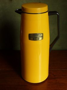 Uber Retro Thermos Jug in Yellow