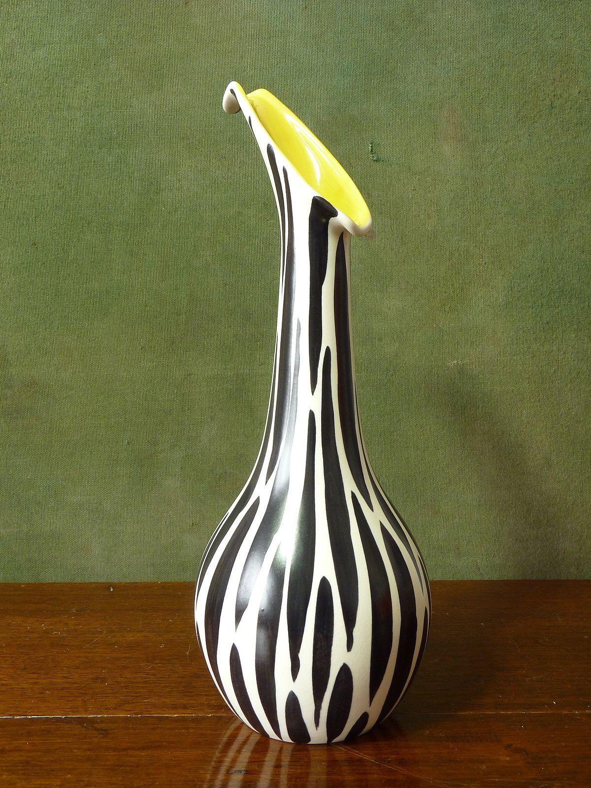 Beswick Zebra Pattern Vase 1455 Shape Yellow Interior