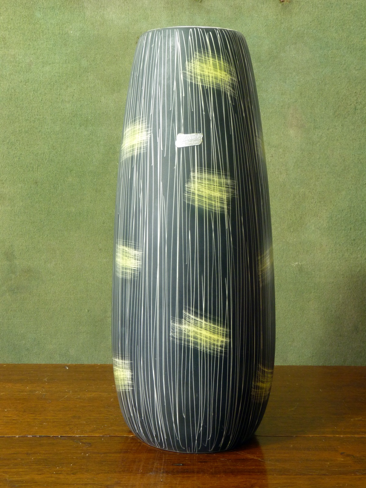 Beswick Lemon Yellow and Black Sgraffito Vase 7653