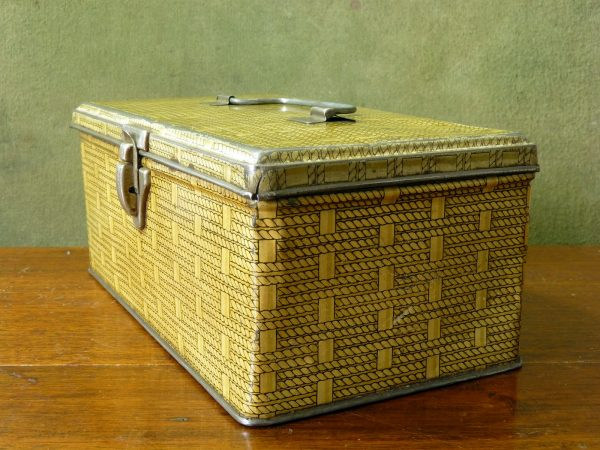 Vintage Yellow Wicker Effect Lunchbox Tin