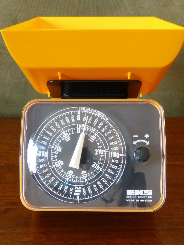Funky Gold Yellow and Black EKS Kitchen Scales Swedish