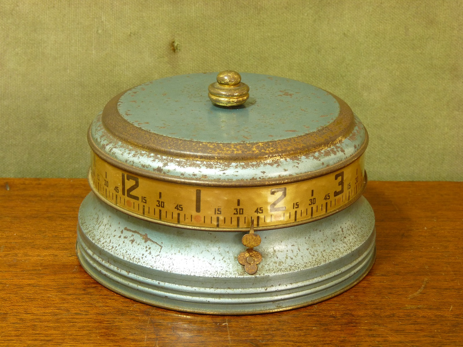 "U.S. Made 1930s Lux ""Mystery Clock"" aka ""Tape Measure Clock"""