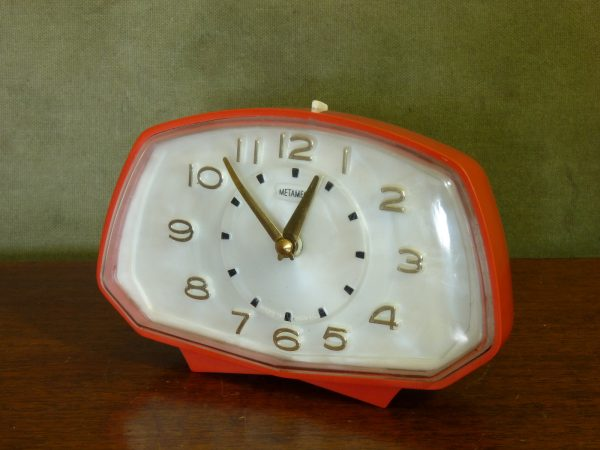 1950s-60s Funky Shaped Red Metamec Alarm Clock wirh Pearlescent Face
