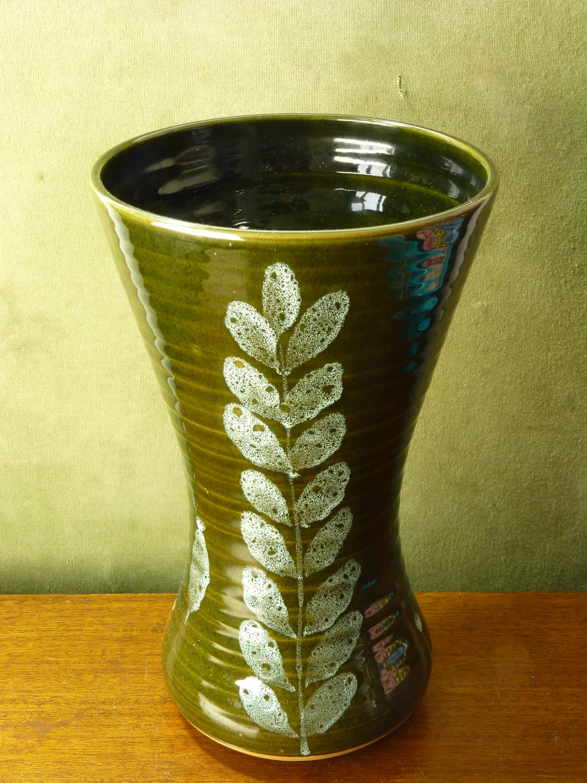 Large Lotus Studio Pottery Vase Elizabeth Skipworth
