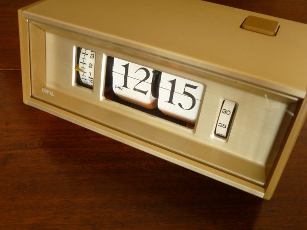 Gold Copal Model 702 12-hour Flip Clock
