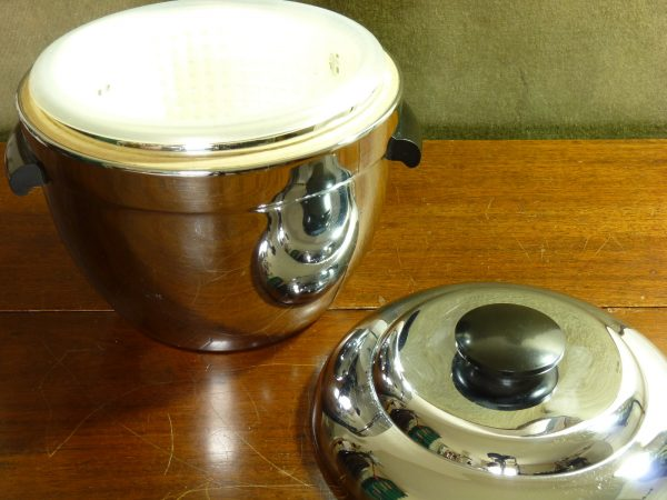 Vintage Thermos Chrome and Black Bakelite Ice Bucket Cooler No, 923