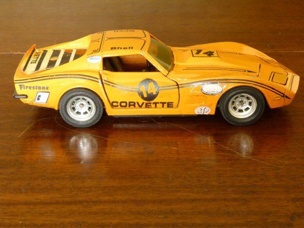 Kidco Orange 1:28 scale Chevrolet Corvette Stingray Car